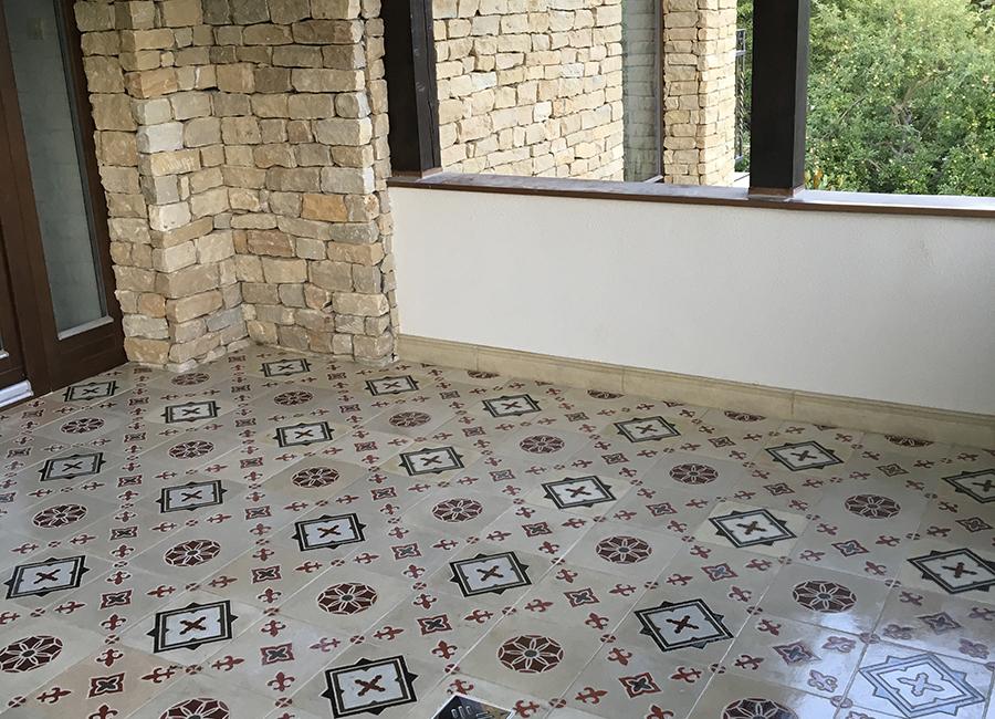 különleges burkolat, sokszínű beton, terrazzó, varázslatos kövek