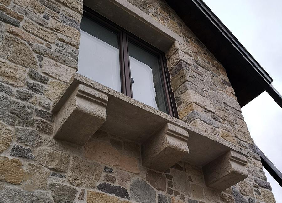 Arács ablakpárkány